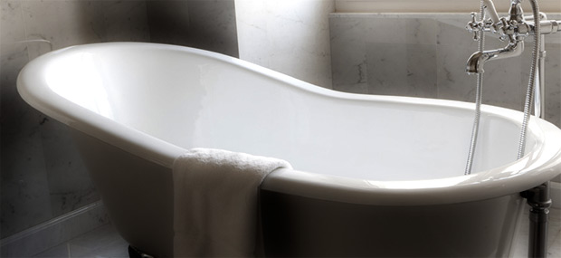 Worn Bathtub Ask Your Plumbing Service Professional About